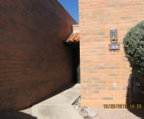 1372 W Desert Hills Dr, Green Valley, AZ