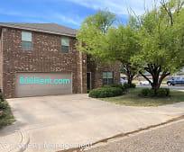 601 N 8th St, Wolfforth, TX
