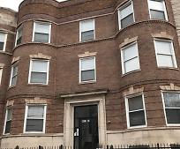 Building, 4423 S Prairie Ave