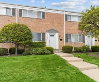 2008 Maple Ave, Northbrook, IL