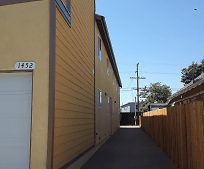 Building, 1452 E 23rd St