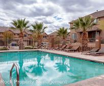 Pool, 653 Bluff View Ln