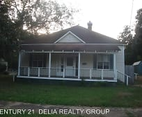 125 S Royal St, DeRidder, LA