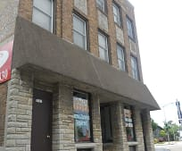 7527 W National Ave, West Allis, WI