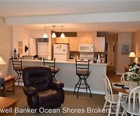 1307 Ocean Shores Blvd SW, Westport, WA