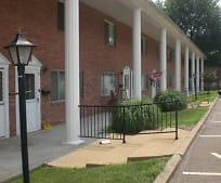 Building, 401 Tracy Loop