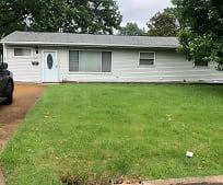 4400 Gordon Ave, Saint Ann, MO