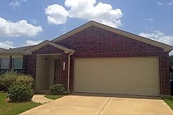 This 4 bed, 2.5 bath home has 2651 square feet of - Katy
