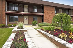 Barberry Apartments - Dyer