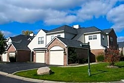 Briarcliff Village - Commerce Township