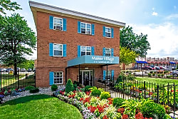 Manor Village Apartments - Washington