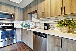 Casa Vera Apartments - Kendall