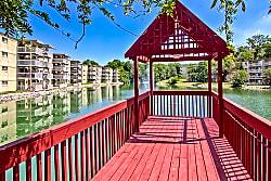 Lakeshore Drive Apartments - Cincinnati