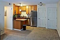 Markwell Village Apartments - Louisville