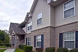 Oak Meadow Apartments - North Vernon