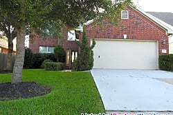 BEAUTIFUL 2 STORY HOME - Pearland