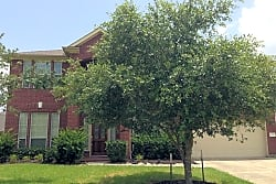 This 4 bedroom 3 bath home has 4,017 square feet o - Pearland