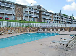 Carriage Hill Apartments - Knoxville
