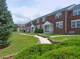 The New Warner Village Apartments - Hamilton