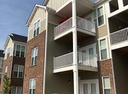 Seasons at Poplar Tent Apartment Homes - Concord