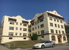 Kings Court Apartments - Omaha