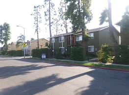 Laurel Canyon Apartments - Fresno