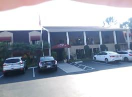 Atria Collwood - San Diego