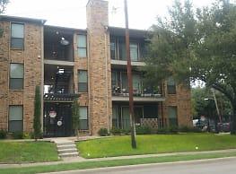 The Oaks At Live Oak - Dallas
