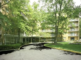 Grandview Pointe Apartments - Cleveland