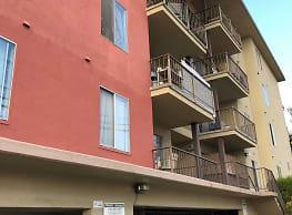 M B Apartments - Berkeley