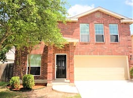 This 3 bedroom 2.5 bath home has 2,172 square feet - San Antonio
