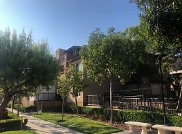 Pasea DelOro Apartments - San Marcos