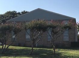 Grove Park Terrace - Waxahachie