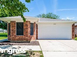 10501 Shadywood - Fort Worth
