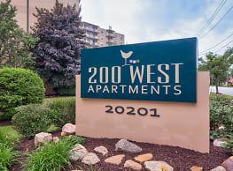 200 West Apartments - Cleveland