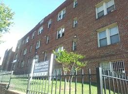 Franklin Street Apartments - Washington