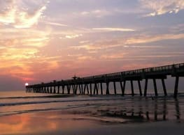 Surfside Apartments - Jacksonville Beach