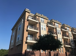 Ten 05 W Trade Apartments - Charlotte