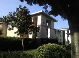 River Oaks Apartments - Yuba City