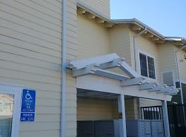 Cerritos Family Apartments - Anaheim