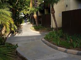 Plaza Woods Apartments - Stanton