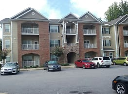 Cliff Creek Apartments - Fayetteville
