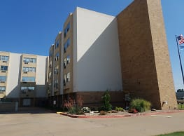 MEADOWS Point Apartments - Enid