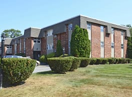 Gristmill Apartments - Warwick