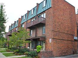 Carriage House Apartments - Ann Arbor