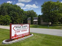 Ridge Manor Apartments - Hales Corners