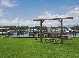 Fort Bayou Apartments - Ocean Springs
