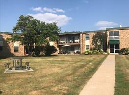 Southgate Apartments - Bloomington
