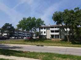 Westwood Apartments - West Des Moines