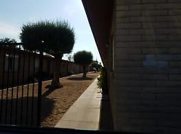Desert Sun Apartments - Phoenix